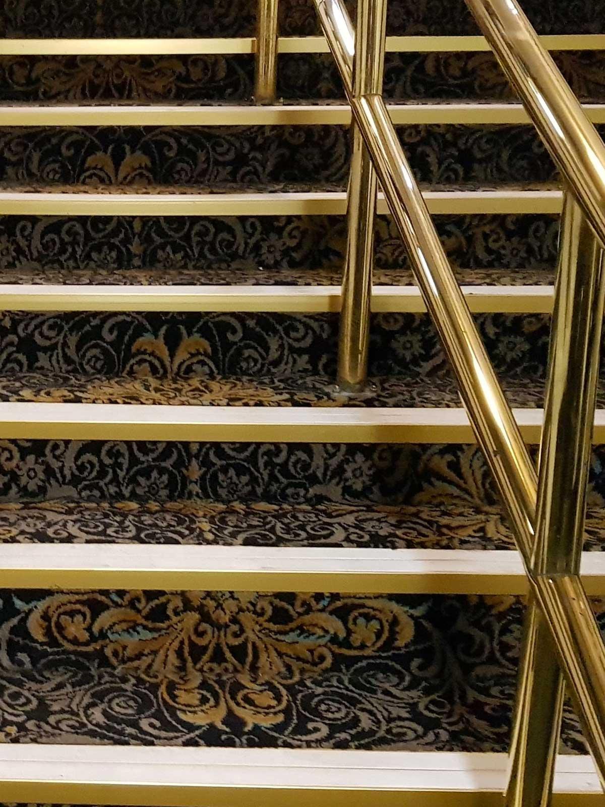 1200x1600-mn-staircase-photo